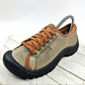 Keen Women's Leather Hiking Shoe Low-top Lace Up